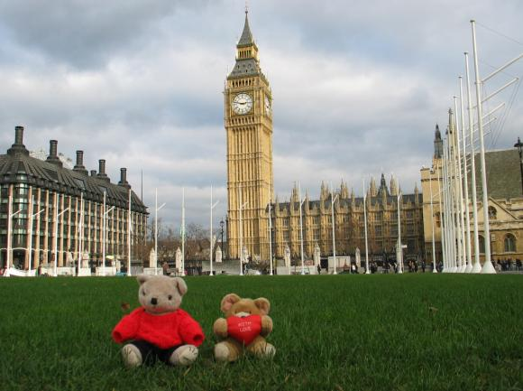 Travelling Bears at the Big Ben in London