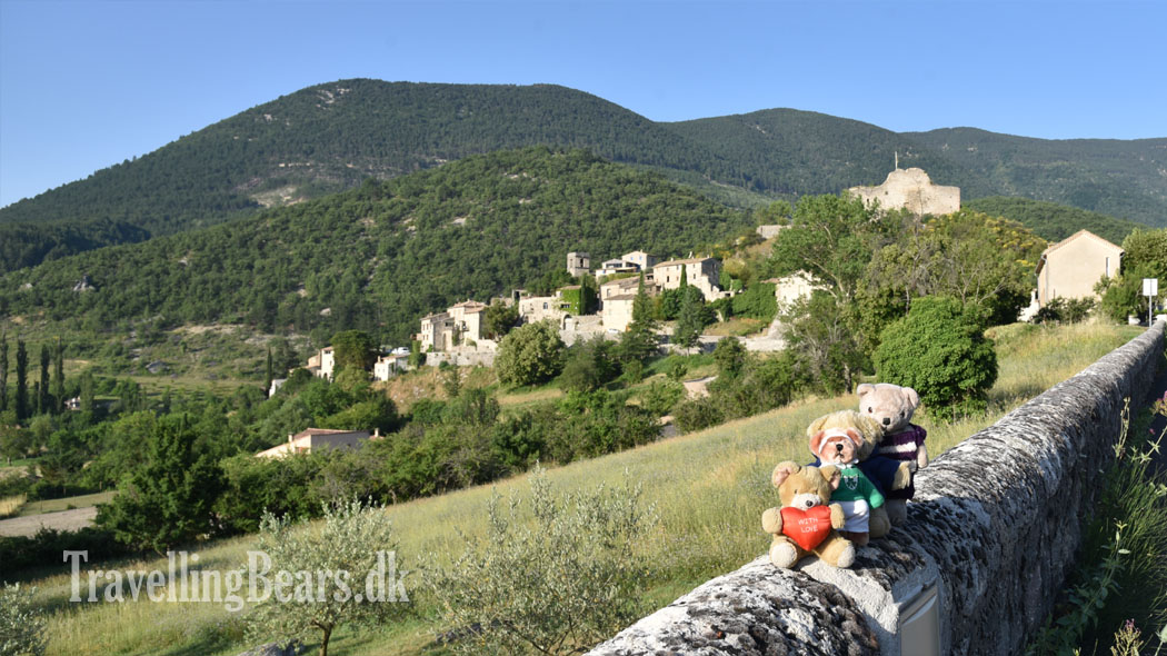 Travelling Bears in  				Reilhanette, Provence